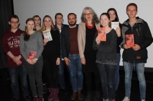 Saskia Goldschmidt und Jonas Lüscher (Autoren) mit den SchülerInnen der ESLP-AG